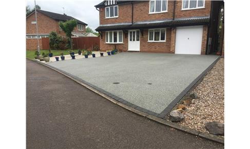 Grey Resin Bound Gravel Driveway